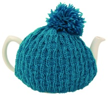Wave_Rib_Tea_Cosy_with_Pom-pom