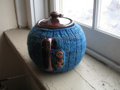 Knitted Tea Cosy Mitten by Elisabeth Kleven