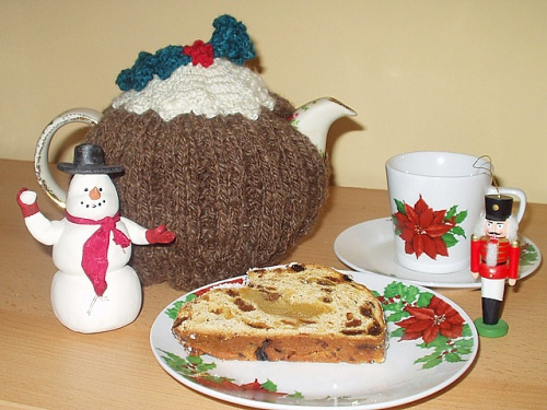 Christmas Pudding Knitted Tea_Cosy