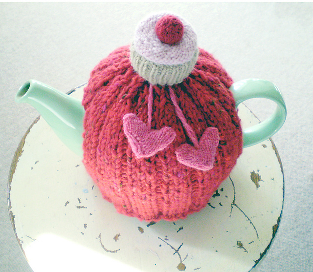 Free Knitted Tea Cosies Patterns : ribbed tea cosy Cosy Tea Blog