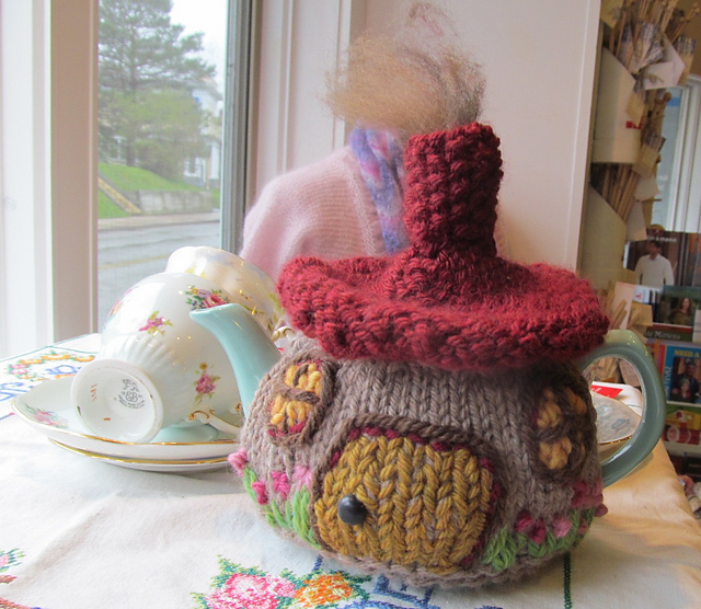 Hobbit Cottage Tea Cosy | Cosy Tea Blog