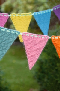 Knitted_Bunting3