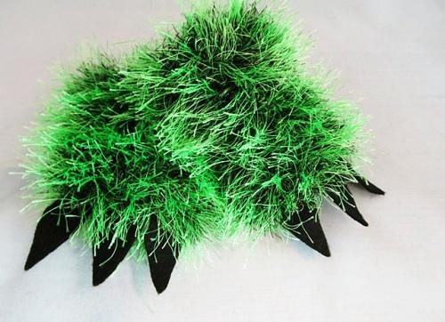 hairy_monster_mittens.JPG